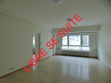 Monia SOUILMI ( 691 21 29 46 - monia.souilmi@remax.lu )<br>Et<br>Remax spécialiste dans l\'immobilier à Luxembourg-Centre, vous présente la location de 4 Bureaux situé Rue Notre Dame au plein centre ville, dans un immeuble au 2 étage avec ascenseur et font en totalités 95m². <br>Le Local se devise en 3 bureaux dont un avec balcon, une grande salle de réunion, une cuisine et un sanitaire. <br>Il s\'ajoute aussi une cave au -1.<br><br>Idéal pour les professions libérales, et toutes types de professions de services.<br>Disponibilité immédiate !!!! <br><br>Loyer 2800 Euro<br>Charges 180 Euro<br>Caution 8400 Euro<br>La commission d\'agence est de 10% du loyer annuel hors taxes  à payer par le locataire. <br>  <br />Ref agence :5096198