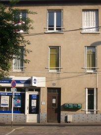 MONTIGNY LES METZ, Rue de Pont à Mousson, Appartement 2 pièces comprenant une cuisine, un séjour, une chambre, une salle d'eau,WC. Chauffage individuel gaz. Disponible à partir du 1er Avril 2020.  Honoraires d'agence selon LOI ALUR: 354 € pour les visites, la constitution du dossier, la rédaction du bail 3€/m² pour l'état des lieux soit 150 €,  soit un total de 504 €