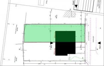 Sigelux Real Estate vous propose à la vente un terrain SANS Contrat de Construction de 5.61 ares situé dans la commune de Strassen.  Possibilité d'y construire une maison unifamiliale jumelée de 11m de largeur sur 14m de profondeur, Celle-ci disposera, d'une surface habitable de +/- 345m2, et d'une surface totale de 440m2, d'un sous-sol avec garages, cave, buanderie, débarras. Orientation SUD  Pièce à vivre - living, salle à manger, feu ouvert, cuisine ouverte…. Le 1er étage offrira 3 chambres à coucher salle de bain…. Le 2e étage en retrait occupera une suite parentale avec salle de bains et dressing par exemple ainsi qu'une terrasse a Idéalement situé pour une famille, à proximité des écoles, crèches, foyers de jour, du centre commercial Cactus Belle Etoile. Les transports en communs sont également très bien implantés.  E-  Sigelux Real Estate offers for sale a plot WITHOUT construction contract of 5.61 acres located in the town of Strassen. Possibility of building a single family house of 11m large and 14m deep, It will have, a living area of +/- 345m2, and a total area of 440m2, a basement with garages, cellar, laundry, storage. SOUTH Orientation  Living room, dining room, office open fire, open kitchen .... The 1st floor could offer 3 bedrooms with 1 or 2 bathrooms. The second floor could be used as a parental suite with bathroom and dressing room for example and a terrace Ideally located for a family with all amenities just nearby, close to schools, nurseries, Shopping malls.
