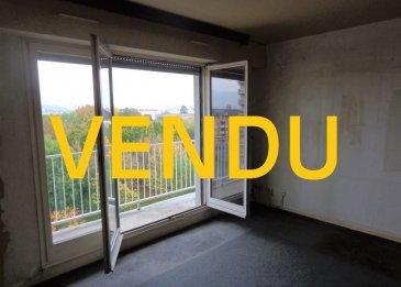 App. Thionville 2 pièce(s) 68 m2. Appartement situé au 5ème étage, 26 allée de la Libération à Thionville.<br/>Résidence avec ascenseur et deux appartements par palier.<br/>Il se compose d\'une entrée et dégagement avec rangements, une cuisine à équiper avec cellier / buanderie, deux pièces de 15,07 m² et 14,67 m² , une chambre de 10,85 m², une salle de douche et  un WC individuel .<br/>Le bien est complété par un balcon, une cave, une place de parking privative et un garage.<br/>A prévoir : installation d\'une cuisine et rafraichissement.<br/>Isolation extérieure récente: DPE: C<br/>Chaudière de Mars 2020.<br/>IMMO DM: 03.82.57.31.87<br/>Copropriété de 20 lots (Pas de procédure en cours).<br/>Charges annuelles : 1744.00 euros.