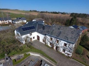 Ici Home Project SA vous propose en vente une magnifique propriété authentique à WAHL qui se compose d'une charmante maison d'habitation de style