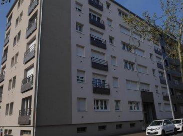 M572627 A VENDRE APPARTEMENT F2 DE 30M2 dans résidence à coté de la gare , au premier niveau de l\'immeuble proches des commerces , entrée sur espace vie avec espace cuisine meublé ouvert , une salle de douche , une chambre , chauffage électrique, fenêtre, double vitrage et carrelage  et parquet au sol<br>une cave compléte cette offre d\'achat sur METZ SABLON quartier proche de la gare a 5 minutes à pied voisin de Queuleu centre gare Pour plus d\'informations Philippe DELAPORTE, Conseiller spécialiste du secteur, est à votre entière disposition au 06 86 27 69 62 .<br>Honoraires à la charge du vendeur.