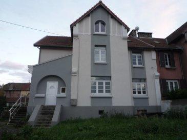 MAISON F6 EN BON ETAT.  PIBLANGE : A 30 MIN DE METZ et 30 MIN de THIONVILLE ; Venez découvrir cette solide maison en pierre, rénovée F5, 3 chambres, de 124m2 habitables sur 3 niveaux se composant d\'un sous-sol (chaufferie, caves), au RDC, une cuisine équipée, un beau salon séjour. A l\'étage : 2 chambres, salle de bains carrelée, enfin au dernier étage sur dalle 1 grande chambre parentale. DV PVC - chauffage central fioul - terrain de 4 ares 86ca. DEP : E<br> PRIX : 159 000€<br> AGENCE VENNER METZ 03 87 63 60 09