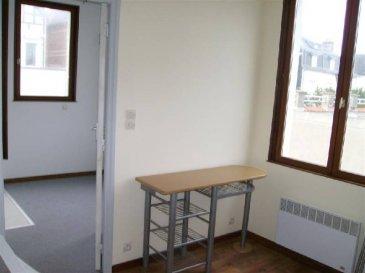 Ref 5775  Appartement à Berck Plage emplacement fort prisé situé au 1er étage d\'une petite copropriété, appartement en 2 pièces avec petit balcon, kitchenette, salle d\'eau, wc (loyer envisagé 350€/m).  DPE: F et GES: D   Ref: 5775