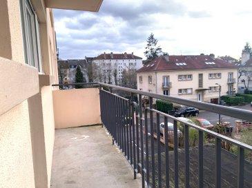 F6 + GARAGE.  METZ SABLON : SPECIAL INVESTISSEUR ! Actuellement LOUE 900 EUR + 70 EUR de charges, à 5 min à pied du MUSE, du POMPIDOU, et de la gare, au numéro 89 de l\'Avenue André Malraux, au deuxième étage, grand appartement familiale F6 de 101m2, composé d\'une entrée avec grand dégagement, une cuisine équipée accés sur balcon, un salon séjour accés 2ème balcon, 4 belles chambres, une salle de bains et un wc séparé. L\'appartement dispose d\'un grand garage pouvant accueillir une grande voiture et divers rangements, ainsi qu\'une grande cave. DV PVC, Chauffage ind gaz...<br> PRIX : 209 000 EUR<br> AGENCE IMMOBILIERE VENNER 03 87 63 60 09<br><br><br>