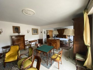 M572963B A VENDRE A MONTIGNY LES METZ RUE DES COUVENTS  ,  APPARTEMENT F6   DE 149M² avec terrasse et balcon et 2 places de parking en sous sol au 4 éme étage avec ascenseur<br><br>A SAISIR EN EXCLUSIVITÉ, au centre de MONTIGNY LES METZ , Cet appartement offrant  , un séjour de 45M² avec accès à la terrasse , une cuisine équipée avec cellier attenant , 2 WC , une salle de bains et pour l\'espace nuit 4 chambres dont une avec sa salle de douche .<br><br>Au sous sol , un cellier et 2 places de parking privé complètent cette offre d\'Achat à 10 minutes de Metz centre<br><br>Dans résidence soignée , de standing , idéal famille  ,A SAISIR , en exclusivité proche des commerces , et des écoles et des transports en communs<br>Visite sur RDV au 0686276962 Philippe DELAPORTE  Pour plus d\'informations Philippe DELAPORTE, Conseiller spécialiste du secteur, est à votre entière disposition au 06 86 27 69 62 .<br>Honoraires à la charge du vendeur.