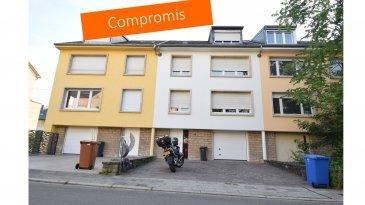 *** SOUS COMPROMIS *** SOUS COMPROMIS *** SOUS COMPROMIS ***   Cette maison mitoyenne, se situe dans une partie calme du quartier de Bonnevoie de Luxembourg-Ville, sur un terrain de 2 ares 21 ca. Le jardin à l'arrière est orienté à l'ouest. Les 314 m ² brut sur 4 niveaux donnent une surface habitable de ± 219 m².  Elle se compose comme suit :  Au sous-sol: les caves séparées en 4 pièces de ± 51 m² avec une sortie vers le jardin.  Au rez de chaussée : une entrée de ± 16 m² ; un garage de ± 20 m², un atelier, un débarras, une chaufferie et une buanderie.  Au 1er étage : un palier de ± 10 m² qui dessert un séjour de ± 64 m² traversant, en «L» avec l'accès au balcon et un feu ouvert et une cuisine séparée de ± 8 m² de marque «Mowo» et un wc séparé.  Au 2ème étage: un palier de ± 10 m² qui dessert trois chambres de ± 37, 16 et 11 m² et une salle de bains de ± 8 m².  Au dernier étage, sous les combles, se trouvent un palier de ± 9 m², deux chambres de ± 16 m² chacune, une salle de douches de ± 2 m² et un grenier de ± 3 m².