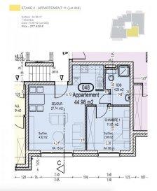 Votre agence IMMO LORENA de Pétange vous propose dans une résidence contemporaine en future construction de 13 unités sur 4 niveaux située à Rodange, 45 chemin de Brouck 1 appartement de 44.98 m2 au DEUXIEME ETAGE avec ascenseur décomposé de la façon suivante:  - Cuisine ouverte et salon de 27,74 m2 - Salle de bain de 4,99 m2 - Une chambre de 11,05 m2. - Une cave privative et un emplacement pour lave-linge et sèche-linge au sous sol. Possibilité d'acquérir un emplacement intérieur (25.000 €) ou un garage fermé intérieur (35.000€).  Cette résidence de performance énergétique AB construite selon les règles de l'art associe une qualité de haut standing à une construction traditionnelle luxembourgeoise, châssis en PVC triple vitrage, ventilation double flux, chauffage au sol, video - parlophone, système domotique, etc... Avec des pièces de vie aux beaux volumes et lumineuses grâce à de belles baies vitrées.  Ces biens constituent entres autre de par leur situation, un excellent investissement. Le prix comprend les garanties biennales et décennales et une TVA à 3%. Livraison prévue septembre 2021.  Pour tout contact: Joanna RICKAL +352 621 36 56 40 Vitor Pires: +352 691 761 110   L'agence Immo Lorena est à votre disposition pour toutes vos recherches ainsi que pour vos transactions LOCATIONS ET VENTES au Luxembourg, en France et en Belgique. Nous sommes également ouverts les samedis de 10h à 19h sans interruption.