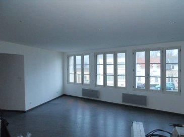 REF 5956  A BERCK VILLE au premier étage d\'une petite copropriété un appartement entièrement rénové d\'une surface de 100 m²: Grand séjour-cuisine, trois chambres, wc, salle d\'eau.  DPE: D et GES: C   Réf: 5936