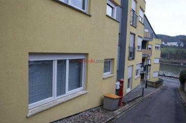 Bel appartement de 54m2 sis à Wormeldange   Hall d'entrée - cuisine séparée - chambre à coucher - salon - salle de bain - cave - buanderie - emplacement intérieur  actuellement loué Ref agence :1213279