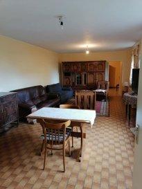 Appartement à louer à Calmus, commune de Saeul  1 chambre à coucher, living, cuisine séparée et équipée, salle de bain  Place de parking extérieure