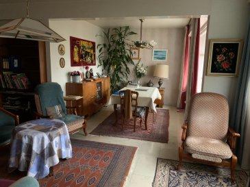 Un appartement F4 au 2éme étage sans ascenseur de 72m² se composant ainsi :   Une entrée donnant sur un bel espace salon/séjour (petit balcon) avec accès cuisine équipée, une salle de bain (baignoire), w-c séparés, 2 chambres d'environ 12m². Un garage vient compléter cet appartement. Chauffage gaz individuel, électricité à revoir, DV Alu  Façade récente Syndic de copropriété professionnel  Contact : COLSON Emmanuel 07 81 30 24 02