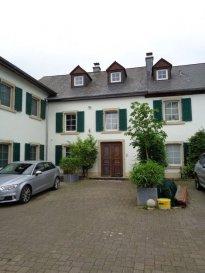 A louer dans le village d'Elvange (commune de Beckerich), bel appartement de 51,88m², situé au 1er étage.  - séjour / salle à manger avec coin cuisine équipée - salle de bain - 1 grande chambre à coucher - 1 emplacement extérieur.