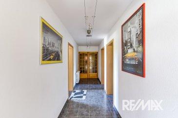 RE/MAX SELECT spécialiste de l'immobilier à Rédange vous propose cette maison d'exception à 2 pas de la frontière luxembourgeoise dans la commune de Rédange. Elle se compose comme suit:  RDC :  - Une magnifique pièce d'entrée de 16m2 - UN APPARTEMENT AVEC UNE ENTREE INDEPENDANTE  COMPRENANT: une chambre de 22m2, un salon de 16m2, une cuisine, une remise et une terrasse de 40 m2  Toujours au rez-de-chausée, un grand garage de 50m2 pouvant également servir d'atelier et un autre garage de 22 m2 ainsi qu'une buanderie de 16m2  Le premier étage se compose comme suit:  - Une cuisine ouverte sur une magnifique pièce à vivre munie d'une cheminée .  - 2 grandes chambres de 18 m2 chacune  - 1 bureau de 16m2  - 3 terrasses  ( 2 faisant 25m2 environ et une de 50m2 )  Au 2eme étage   - Une suite parentale de 31m 2 avec une salle de sport et une salle de bain  Laissez-vous charmer par cette maison parfaitement rénovée avec des matériaux de haute qualité uniquement, il n'y a absolument aucun travaux à prévoir.   Pour ce qui est des commodités, la commune de Rédange est contigue à la commune de Sanem, vous êtes également à 5-10 minutes du centre Esch-Belval tout en bénéficiant du grand calme de la commune rurale de Rédange.     A VISITER  SANS TARDER