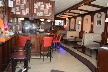 FIS Immo vous présente,  Un Fond de commerce à Esch-sur-Alzette +/- 300m2 prés de la Zone piétonne .  Rez de chose: Très beau café de 40 m2, Wc, dépôt, cave, et une cuisine une terrasse de 12m2.  Première étage: Un grand Living une grange hall et un balcon de 9m2  Salle de bain.  Deuxième étage: 2 Chambres à couchers  Troisième étage 2 Chambres à couchers  Tous à été Rez-nove en 2014  Fond 56 000€. Loyer 2400€ .   N'hésitez pas à nous contacter por toute question complémentaire +352 621 278 925