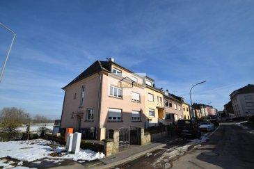 SARTORI, agence immobilière à Bettembourg vous propose en exclusivité cette avantageuse maison de 351,41 m2 surface total dont 246,40 m2 surface habitable, libre de 3 côtés, construite en 1944 sur un terrain de 4,60 ares à Bettembourg.  La maison se compose au rez-de-chaussée d'un agréable séjour avec salle à manger de 50 m2 donnant accès à la terrasse et au jardin, une élégante cuisine équipée de 10,89 m2 donnant aussi accès à la terrasse.  Au premier étage vous trouverez une harmonieuse chambre à coucher de 19,77 m2, un WC séparé, une cuisine équipée indépendante de 12,37 m2 ( POSSIBLE DE FAIRE UNE GRANDE SALLE DE BAIN POUR L'ETAGE  et une énorme chambre de 33,17 m2 ( POSSIBLE DE FAIRE 2 CHAMBRES .  Au deuxième étage, un hall de nuit, une salle de douche de 3,78 m2, d'une belle salle de bains de 9 m2 et de trois harmonieuses chambres de 18 m2, 18,07 m2 et 11,12 m2.  Au sous-sol vous disposerez d'une grande salle de bains avec douche de 19 m2 donnant accès au sauna, d'une grande cave, d'un garage et d'un grenier .  À savoir qu'il y a des rafraîchissement  à faire dans la maison.   Pour plus de renseignements, veuillez contacter Madame Batista au 691 905 150. Ref agence :486