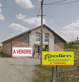 MURS LOCAUX ARTISANAUX.  Aux portes de la Madine, 25 minutes de Pont à Mousson, Locaux artisanaux pouvant êtres réhabilités.