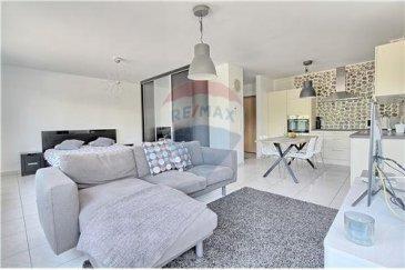 RE/MAX SELECT, spécialiste de l'immobilier à Esch-sur-Alzette, vous propose à la vente ce superbe studio.  Le studio dispose d'une surface totale habitable de 45,6 m2 et est vendu complètement meublé et dispose également d'un emplacement extérieur. Une cave est également vendue avec ce bien. Idéal pour un premier achat ou pour un investissement, ce bien est à visiter rapidement.