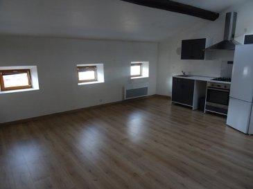 Appartement de type F3, comprenant : séjour ouvert sur cuisine équipé, 2 chambres, salle de bain, toilette.