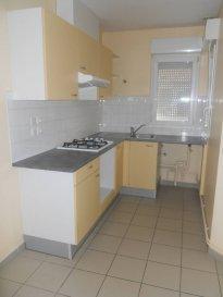 Réf: 5911  Maison de 75 m² au coeur de Berck Ville :  Entrée, grand séjour, cuisine semi-équipée, (meubles et plaques de cuisson), cellier et wc.  A l\'étage: Palier avec placard, salle de bains et 2 chambres.  Possibilité de louer un extérieur en supplément  Loyer: 640 € Charges: 25 €  1 mois de caution   frais d\'agence: 640 €  Libre le 15/10/18  Réf: 591  Loyer  :   665 € par mois, charges comprises  dont   25 € de charges locatives (provision donnant lieu à régularisation)   Dépot de garantie   Honoraires charges locataire   384 € TTC  dont   90 € pour état des lieux