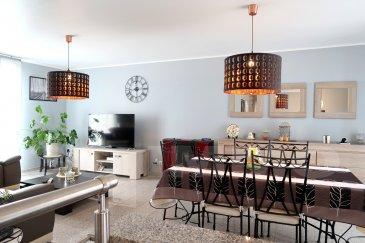 EXCLUSIVITE 3 G IMMOBILIER : A CUTRY, MAISON INDIVIDUELLE 2007, 102 M² HAB, 3 CHAMBRES (4 POSSIBLE), SOUS SOL COMPLET, DOUBLE GARAGE, TERRAIN 8,80 ARES  :  Entrée : hall avec escalier vers sous-sol en demi-niveau et pièces de vie. Salon / salle à manger de 30 m² (accès terrasse arrière et petit balcon avant) équipé d'un poêle à pellets programmable. Cuisine équipée complète séparée à proximité directe (accès terrasse également). Trois chambres (9.75 m², 10,76 m² et 12,11 m²), salle d'eau (douche) et wc séparés. Carrelage granit intégral sauf chambres sur parquet.  Sous-sol : pièce de 14 m² chauffée avec douche et wc récents, idéal pour 4ème chambre ou bureau. Belle buanderie avec nombreux rangements intégrés. Vaste double garage 2 portes motorisées et grande pièce de rangement complémentaire : vous ne serez jamais à court de place !  Maison saine, construction réfléchie (étanchéité et drainage des fondations renforcés), chauffage central gaz + poêle à pellets, adoucisseur d'eau, alarme, aspiration centralisée, pompe récupératrice des eaux de pluie de 6000 L (ne reste qu'une pompe à placer pour alimenter la maison). Aucun travaux à prévoir. Les peintures viennent d'être refaites.  Extérieurs : possibilité de garer des véhicules devant le garage, accès latéral pour future place de parking si besoin). A l'arrière : terrasse en composite avec store-ban élcetrique, abri de jardin et pelouse.  Environnement absolument calme : rue en impasse, uniquement résidentielle. Cutry est un petit village très calme, disposant d'une école moderne, dans un cadre naturel. A 5 min de la zone commerciale de Lexy et 15 de la frontière luxembourgeoise.  A ne pas manquer !  Le prix inclut nos honoraires Pour tous renseignements : Grégory Lambermont : 06.42.85.79.02 François Lambermont : 06.23.51.05.74 www.lambermont-immo.com www.3gimmobilier.com/lambermont  Mandataires indépendants du réseau 3G Immo Consultant immatriculés au RSAC de Briey N°524 212 917 et N°791 005 580
