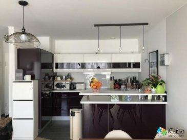 ADRESSE:  Schifflange  CITE OP HUDELEN  Nr  41B<br><br>Appartement 2 chambres de ±76m2 avec deux balcons, dans une résidence de 2012 (P.E. BBB)<br><br>Il se compose :<br>-un hall d\'entrée avec vestiaire<br>- une grande pièce de vie avec une cuisine équipée et l\'accès vers le 1er balcon ± 9m2 (type « jardin d\'hiver »)<br>-2 chambres à coucher de ±12m2 et ±12,5m2 avec accès vers le 2ème balcon ± 10m2<br>-une belle salle de bains de ±7.5m2 avec douche italienne<br>-un débarras<br>-un WC d\'hôtes<br><br>Une cave privative et un emplacement intérieur complètent ce bien.<br><br><br>Divers :<br>-Belles finitions<br>-Double vitrage<br>-Ventilation double flux<br>-Volets électriques<br><br>Pour tous renseignements ou pour prendre rendez-vous pour une visite, veuillez nous contacter par téléphone au (+352) 621 43 10 04 / (+352) 26 19 00 86 ou par mail : info@icasa.lu<br><br>Découvrez tous nos biens sur www.icasa.lu.<br>Souhaitez-vous louer ou vendre votre bien, profitez de notre service de qualité. Estimation rapide et gratuite.<br><br>Agence iCasa Bertrange<br>BELACCHI Michel<br><br />Ref agence :5270019