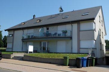 HOBSCHEID, rue de  Kreuzerbuch, appartement de 80 m2 dans une résidence récente, au 2e étage et comprenant : hall d'entrée, 2 chambres à coucher, cuisine équipée ouverte, living, salle de bains, cave et un emplacement dans box fermé.  Disponible le 6 novembre 2020  Contact et visites : Mme Nassim TOLOUI Téléphone : 691 120 478 Email: nassim@parkagence.lu