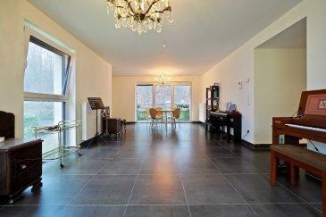 ***English description below.***  (FR)  immohub, votre partenaire dans l'immobilier à Luxembourg- Weimerskirch, vous propose en exclusivité un appartement de +/- 94 m2 situé au premier étage d'une résidence (2012) à 10 unités. L'appartement se compose comme suit:  -Hall d'entrée 10,5 m2 -WC séparé (soft close) 1,5 m2 -Chambre I 12,50 m2 -Chambre II 9,00 m2 -SDB 7,0 m2 (baignoire, WC, 2 lavabo simples) possibilité d'installer une douche -Cuisine équipée ouverte 12,4 m2 -Arrière cuisine 2,3 m2 (possibilité d'arranger une buanderie) -Double séjour 32,5 m2 avec accès au balcon de 8 m2  Détails: construction : 2012 ascenseur emplacement intérieur triple vitrage ; Chassis en PVC ; screens extérieurs CPE : B/B cave privative / buanderie en commune VMC Placards encastrés — Casa milano  Alentours: -european school -Arcelor Mittal -Centre national sportif et culturel COQUE -Auchan Kirchberg / Kinepolis -zones de détentes et de verdure de long de l'Alzette  -la proximité des institutions européennes, des banques, des sociétés internationales, des centres de conférences du quartier Kirchberg -proximité des hôpitaux -proximité de la gare de Domeldange  Culture, Sports et Loisirs: Parc Laval; 4 aires de jeux; 1 centre culturel; Pavillon sociétaire; Café littéraire le Bovary; Stade Gust Jacqemart; 1 salle de gymnastique  Mobilité: 15 arrêts autobus lignes 8, 25, 63, CN4  Good to know: Weimerskirch est le quartier de la ville dont les traces historiques remontent le plus loin dans le temps.  (EN) immohub, your partner for real estate in Luxembourg-Weimerskirch, proposes you this modern apartment of +/- 94 sqm situated on the 1st floor of a residence dating from 2012.  The apartment is laid out as follows:  -Entrance hall 10,5 sqm -Separate toilet (soft close) 1,5 sqm -Bedroom I 12,50 sqm -Bedroom II 9,00 sqm -Bathroom 7,00 sqm (bathtub, toilet, two single sinks); possibility to install a shower -Fully equipped open kitchen 12,4 sqm -Storage room 2,3 m2 (possibility to arrange a lau