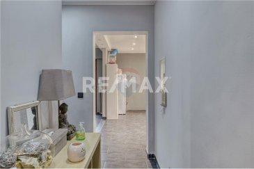Veuillez contacter Felice Capraro pour de plus amples informations : - T : +352 621 251 398 - E : felice.capraro@remax.lu  REMAX, Spécialiste de l'immobilier à Bettembourg, vous propose un appartement 2 chambres en vente d'une surface de 90 m² au premier étage avec ascenseur qui se compose comme suit. :  - Hall d'entrée, séjour avec une cuisine ouverte, 2 balcons dont un orienté sud, WC séparé, 2 grandes chambres, salle de bains, cave privative, buanderie commune, garage fermé devant la résidence.  Frais d'agence RE/MAX : 3 % du prix de vente à la charge de la partie venderesse + TVA
