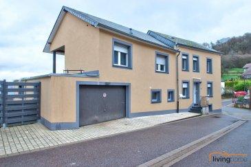 Maison entièrement rénovée, d'une surface totale de 175 m², dont 120 m² de surface habitable, construite sur un terrain  de 2,38 ares. Situation calme et à proximité de toutes commodités de la localité de Medernach.  DESCRIPTION: Rez-de-chaussée: (surface 94 m²) - hall d'entrée (11,65 m²) - séjour (16,25 m²)  - cuisine équipée (15,90 m²) avec accès vers WC/douche séparé (3,32 m²) - garage 2 voitures (35,60 m²) - chambre avec salle de douche/WC 11,50 m²  Etage 1: (surface 61 m²) - hall de nuit ( 16,50 m²) - chambre à coucher1 (16,34 m²) - chambre à coucher2 (10,13 m²) - chambre à coucher3 (8,08 m²) - salle de bains (9,85 m²) - terrasse (25m²) avec vue panoramique  Sous-sol: (surface 20 m²) - caves, chaufferie  Extérieurs: 2 cours clôturés   ASPECTS TECHNIQUES: Maçonnerie mixte en blocs et béton, dalles en béton et plancher, façade crépi (2018), toiture avec charpente isolée et couverture en ardoises fibres-ciments, châssis en bois double vitrage, revêtement sol en carrelage et stratifié, escalier intérieur en bois, volets roulants, radiateurs, chauffage au mazout, chaudière Buderus de 2019, réservoir mazout 3000 litres.  SITUATION: Medernach est situé dans la région Mullerthal et à proximité de la vallée de la Moyenne-Sûre. Géographiquement, situé au centre de Luxembourg, la localité héberge différents acteurs économiques, allant de commerces locaux jusqu'à grandes entreprises. Les villes de Diekirch(10 km), d'Ettelbruck(12km) et de Mersch(14km) sont à toute proximité et offrent toutes les commodités, comme p.ex. hôpital, centres médicaux, cabinets de kinésithérapeutes, pharmacies, commerces locaux, banques, école fondamentale, maison relais, crèches, Lycées, piscines municipales et de grands centres commerciaux. Luxembourg-Kirchberg est situé à 30min. Transport public assuré.  CONTACT LIVINGHOME: - Pascal POOS                352 621 36 20 26 - Carine DEI CAMILLO    352 621 45 32 08 - Bureau                           352 27 80 83 56 Ref agence :3497604