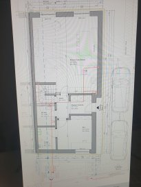 NOUVELLE CONSTRUCTION à Hosingen!!!!!!!!!!!<br><br>Maison en gros oeuvre à Hosingen ,classe énergétique A-B sur un terrain de /-2,75 ares, libre de trois cotés se composant de ;<br><br>au rez-de-chaussée<br>-un garage pour deux voitures<br>-un hall d\'entrée<br>-un wc<br>-une pièce technique<br>-buanderie/cave<br>-un séjour salle à manger et cuisine avec sortie sur terrasse/jardin, bureau.<br><br>au 1er étage<br>-un hall de nuit<br>-Quatre chambres à coucher, <br>-une salle de bains<br><br>Pour plus de renseignements ou une visite (visites également possibles le samedi sur rdv), veuillez contacter le <br>691 850 805.