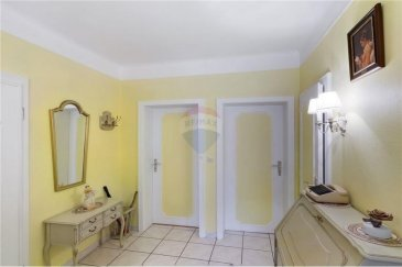 Veuillez contacter Gracinda De Jesus pour de plus amples informations : - T : +352 621 810 140 - E : gracinda.dejesus@remax.lu  RE/ MAX, Spécialiste de l'immobilier à Bonnevoie, vous propose, en exclusivité, cet appartement d'une surface habitable 62,42 m².  Cet appartement situé au rez-de-chaussée, détenant beaucoup de potentiel se compose comme suit : D'un hall d'entrée, d'une chambre de 14 m², d'un séjour de 18,80 m², d'une salle de bain 6,45 m² avec WC séparé et d'une cuisine équipée donnant vers un balcon, terrasse et jardin privé.  Inclus dans ce bien : grenier, cave et garage fermé.  Quelques travaux à prévoir dans l'appartement. La façade de l'immeuble a été refaite il y a 4 ans, le toit aussi.  Le quartier est calme et proche de toutes commodités, comme la gare et le tram de Luxembourg, les commerces, les écoles, la crèche.  Visite virtuelle : https://premium.giraffe360.com/remax-select/27067917b0ff443d8cb167d2968c0574/  Frais d'agence RE/MAX : 3 % du prix de vente + TVA à charge de la partie venderesse Toute offre sera soumise à l'acceptation expresse des vendeurs.