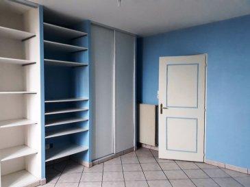 Appartement 104 m² + grenier (+100m²). Affaire à  saisir ! Bel appartement traversant de 103,21 m² , offrant de beaux volumes, au coeur du village de Montois la Montagne, proche de toutes commodités. Ainsi qu\'un grenier d\'environ 100 m².<br/>L\'appartement se compose :<br/>Une entrée : 8 m² ; un salon : 34 m² ; une cuisine : 15 m² ; une chambre : 15,20 m² ; une seconde chambre : 22,40 m² ;  salle de bain ; toilettes séparées. dégagement.<br/>appartement très calme et lumineux<br/>Chauffage au gaz ; fenetres bois, double vitrage.<br/>Grenier d\'environ 100 m² aménageables. Accès indépendant par la cage d\'escaliers.<br/>Possibilité de créer un appartement dans les combles ou un duplex.<br/>Pour tout renseignement ou visite vous pouvez contacter :<br/>Mme Litzelmann 07 50 90 38 53<br/><br/><br/>