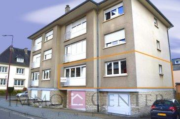 Appartement au premier étage d\'une petite résidence à proximité du centre d\'Ettelbruck dans une rue calme. L\'appartement se compose comme suit: un grand hall d\'entrée, un séjour, une cuisine spacieuse équipée avec accès sur un petit balcon, deux chambres à coucher dont une avec un grand placard et un lit escamotable et une salle de douche. <br>Au niveau rez-de-chaussée se situe une petite cave et au dernier étage se trouve un grenier<br>La zone piétonne et un centre commercial se situe à 200m de la résidence. <br><br>Idéal pour une profession libéral, la résidence dispose d\'un ascenseur.<br><br>N\'hésitez pas de nous contacter au numéro 621 741 217 ou au 661 701 070 <br />Ref agence :ICL 861512