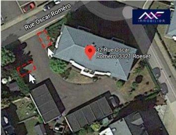 A 130 M de la gare de Berchem, A LOUER 1 ou 2 places de parking extérieurs.<br>Loyer : 50 EUR/mois<br>Av. sur charges : 8 EUR/mois<br>Caution : 100 EUR<br>Frais d\'agence : 200 EUR TTC<br><br>Idéal pour un habitant de la rue Oscar Romero ou pour un utilisateur de train.