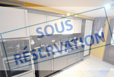 ***SOUS RESERVATION*** « active relocation luxembourg » vous propose à la location une petite maisonnette meublée 1 chambre  Ce bien se compose de 3 niveaux et se situe dans une petite ruelle à l'arrière d'un building et ceci dans le centre de Grevenmacher .  Comprenant au rez-de-chaussée une cuisine équipée et différents rangements en montant l'escalier vous accédez au 1ère étage où vous trouverez 1 chambre avec un double lit et un dressing ouvert ainsi que la salle de douche avec WC et au dernier dernière étage (combles) vous y trouverez le salon avec bibliothèque et un petit bureau.  L'objet de +/- 30m² dispose d'un système de climatisation/chauffage. L'objet ne dispose pas de garage, ni de parking / ni de jardin.  Idéalement pour une occupation d'une durée minium d'1 année et ceci pour 1 personne avec CDI !  Si vous pensez vendre ou louer votre bien, ''active relocation luxembourg'' est à votre service pour vous conseiller au mieux et vous faire profiter de toutes ses compétences en vue de commercialiser votre bien de manière professionnelle et rapide.  +352 270 485 005 info@arlux.lu www.arluximmo.lu