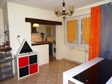 SIERCK LES BAINS appartement F3 dans petite copropriété de 4 appartements , offre: Un séjour ouvert sur cuisine équipée, 2 chambres, sdb, wc ind, balcon. Un jardin d'environ 8 ares, un garage, une cave.  A voir......