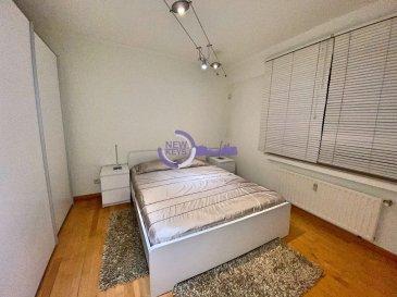 New keys vous propose ce superbe appartement 2 chambres d'une surface de 82 m2, idéalement situé dans la charmante commune de Hesperange à Fentange.  Au Rdc d'une petite copropriété très bien entretenue, proche de toutes les commodités.  L'appartement se compose comme suit :  - Un salon/salle à manger de 28m2  /- avec accès à la terrasse de 7m2  /-. - Une cuisine individuelle toute équipée de 8m2  /-. - Une Salle de bain avec WC de 8m2  /-. - Une chambre de 11,2m2  /-. - Une deuxième chambre de 15m2  /-. - Un débarras.  Pour compléter ce bien, vous profiterez également des prestations suivantes :  - Une cave privative. - Une buanderie commune. - Une place de parking intérieur.  Divers :  - Façade refaite effectué il y a 4 ans. - Travaux d'isolation effectué il y a 2 ans. - Chaudière changé en 2019.  Disponibilité immédiate !   N'hésitez pas à nous contacter au 27 99 86 23 ou par mail info@newkeys.lu pour plus d'informations ou une éventuelle visite.  COVID: Pour votre sécurité, nos visites sont effectuées avec des masques, des gants et limitées à 3 personnes par visite.  Les prix s'entendent frais d'agence de 3 % TVA 17 % inclus dans le prix est payable par le vendeur.  Nous recherchons en permanence pour la vente et pour la location, des appartements, maisons, terrains à bâtir pour notre clientèle déjà existante. N'hésitez pas à nous contacter si vous avez un bien pour la vente ou la location. Estimation gratuite. Ref agence : 5003495