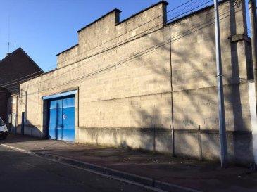 TOURCOING L. Wattrelos ( Saint Gérard ). Vaste Hangar  DE 1000 M² situé entre la Gare de Tourcoing et la frontière Belge, offrant d\'énormes possibilités. Idéal investisseur, promoteur ou artisan !