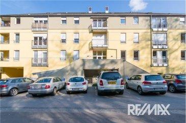 Veuillez contacter notre agent Mathieu Bossennec pour de plus amples informations au 661 521 730 ou par email : mathieu.bossennec@remax.lu.  REMAX Select, Spécialiste de l'immobilier, vous propose ce magnifique appartement à Echternach. Venez découvrir sans tarder cet appartement de près de 120 m2 au RDC avec 2 chambres dans une magnifique résidence récente avec concierge, composé comme suit :  •     1 hall d'entrée. •     1 débarras. •     1 WC séparé. •     1 grande salle de séjour avec accès à la terrasse. •     2 grandes chambres dont une avec accès à la terrasse. •     1 cuisine de qualité entièrement équipée.  •     1 salle de bain avec douche et baignoire. •     1 grande terrasse  •     1 cave •     1 emplacement intérieur privé.   Cet appartement aux très belles finitions (parquet, peintures récentes biologiques, double-vitrage + volets électriques, Interphone, …) avec une magnifique terrasse est proche de toutes commodités et du Centre-Ville de Echternach. De plus, vous avez la chance d'avoir au sein de la résidence une  avec de très nombreuses fonctions médicales. Vous pourrez aussi profiter des transports en commun (dont des trajets directs, à de nombreuses reprises jusqu'à Luxembourg Ville), des nombreux commerces et restaurants, des écoles du quartier et ce, en quelques minutes de marche. La résidence a l'avantage d'être située à proximité des commodités tout en faisant preuve d'un calme et d'une verdure hors du commun.  Libre de suite.