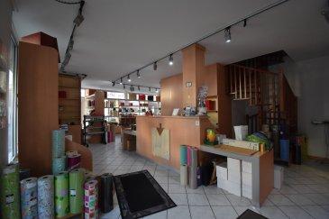EN EXCLUSIVITE, Sartori Immo, agence immobilière à Bettembourg a le plaisir de vous présenter un magnifique commerce au rez de chaussée bien placé à Esch/sur/Alzette.  Le local dispose au Rdc 80m2 avec WC, petite cuisinette, etc... possible d'acquérir un depot de 60m2 avec possibilité avoir un accès directement. ( prix 130.000 € ) Possible d'acquérir un grand garage pour 2 voitures. ( prix 120.000 € )  Le local dispose d'une magnifique vitrine avec beaucoup de passage.  Le local sera prêt pour toute activité commerciale.  Pour plus d'informations, veuillez contacter Mr Sartori au 691 472 013.