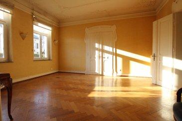 Appartement Thionville 5 pièce(s) 147 m2. Quartier St PIerre à Thionville, dans petite copropriété début 1900, appartement de caractère de 147m2 avec moulures et hauts plafonds.<br>Cave, parking et jardin privatif au calme sur l\'arrière.<br>Chauffage individuel au gaz.<br>Bien rare!<br><br>Renseignements et visites:<br>Karine Karas 06 08 31 19 87<br>Julie Lukas 06.85.83.77.60<br>Karine Karas 06.08.31.19.87 dont 5.00 % honoraires TTC à la charge de l\'acquéreur.<br>