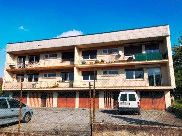 **PLAPPEVILLE, A SAISIR BEL IMMEUBLE DE RAPPORT DE  320 M²**. -A SAISIR 4 APPARTEMENTS DE TYPE F3 AVEC BALCON / 4 GARAGES / 4 CAVES / 1 PARKING PRIVATIF -<br/>Dans une impasse, immeuble de rapport des années 1960 sur deux étages idéalement situé.<br/>Construit sur 12 ares environ, celui-ci comprend 4 appartements identiques de type f3 de 80 m² + 4 garages + 4 Caves et bénéficiant d\' un grand parking privé et d\' un jardin en commun.<br/>Chaque appartement est composé d\' un séjour double, de deux chambres, d\'une salle d\'eau, d\' une cuisine aménagée et d\'un wc.<br/>Trois appartements actuellement loués d\' un montant de 785€ + 40€ de charges.<br/>Un appartement libre à ce jour.<br/>Toiture réhabilitée en 2017. PVC/Double vitrage / Chauffage au fuel. Les quatre appartements bénéficient d\' une chaudière indépendante.( chaudières récentes), et trois ont été rénovés récemment.Immeuble parfaitement entretenu par des locataires en place sérieux.<br/>Pour toutes informations complémentaires, Merci de contacter le 06 33 83 40 82 Sandrine Di Francesco, titulaire de la carte professionnelle de la chambre des commerces Siret : 78900935400018  .