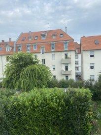 Schiltigheim : appartement dernier étage en vente 167680 EUR.  Dans une petite copropriété à Schiltigheim, vente d\'un appartement 3 pièces. Il comprend une salle de bain, un coin salon de 16.73m2, un espace cuisine et 2 chambres. La surface habitable est de 53.29m2. Il s\'agit d\'une habitation se trouvant au 2ème et dernier étage sans ascensseur dont la construction date de 1930. Une cave complète l\'appartement. Chauffage et eau chaude collectif au gaz. Le bien se situe dans une copropriété de 12 lots dont 3 appartements. Aucune procédure en cours pour l\'immeuble. Quote-part moyenne du budget prévisionnel : 1051EUR/an. Prix frais d\'agence inclus : 167 680EUR soit 160 000EUR + honorraires 4.80% TTC à la charge de l\'acquéreur (7 680EUR).  HEBDING IMMOBILIER 03 88 23 80 80