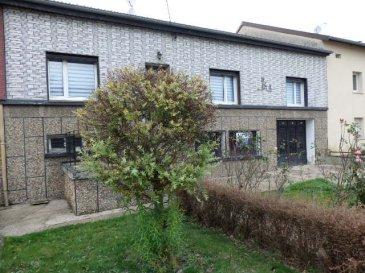 NOUS VENDONS : A HOLLING (Moselle), rue du Maréchal Foch Sur l'axe BOUZONVILLE-BOULAY de leurs commerces et services ;  Une grande maison mitoyenne des deux côtés, rénovée en 2007. Etablie sur un terrain de 7a42 ; Elle offre sur une surface habitable totale de 224 m2 ;  Comprenant : Un grand séjour et salon avec cheminée de 32,54 m2 Une cuisine équipée de 19 m2 Un long couloir de 13,15 m2 , une première chambre de 20,63 m2 Quatre autres chambres (dont une suite parentale) de 24 – 19 – 14 et 15 m2. Une salle de bains avec douche à l'italienne de 8,20 m2 Deux WC de 1,69 et 3,68 m2.  Avec aussi sous les combles aménagés, un grand espace de 40 m2. Le tout sur un sous-sol complet avec garage pour le stationnement de trois voitures.  *** Balcon terrasse couverte en bois de 24 m2 avec un accès par le séjour. ***Une terrasse en partie couverte en rez-de-jardin de 48 m2. ***Chauffage au bois par une chaudière de marque DE DIETRICH et par la cheminée à insert. ***Fenêtres PVC double vitrage. ***Toiture en bon état refaite en 2000 ;  DISPONIBLE DE SUITE CONTACT :  Jean-Luc MEYER, conseiller commercial au 07 60 13 78 96 Ou directement l'agence au  03 87 36 12 24 Les frais d'agence sont à la charge du vendeur.