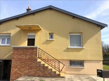 PLAIN PIED SURELEVE <br /> <br />Venez découvrir cette charmante maison individuelle proche de toutes les commodités à pied&period; <br /><br />Elle se compose d\'une entrée, cuisine séparé avec accès au sous sol complet, un salon séjour avec balcon, 2 chambres, wc séparé et salle de bain&period;<br />Garage et jardin agréable&period;<br /><br /><br />Informations complémentaires : <br />-Chauffage Fuel de 2017 &lpar;cuve enterré&rpar;<br />-Volets électriques<br />- Double vitrage PVC<br />- Année de construction 1972<br />- Diagnostics en cours de réalisation