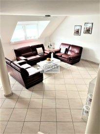 L\'agence CIMOLUX vous propose un bel appartement/duplex situé à Esch/Lallange dans une rue calme et proche des commodités avec une superficie de +/-113m2.<br><br>Le duplex dispose:<br>Au rdch: un hall d\'entrée, un salon/salle à manger, une cuisine équipée séparé, un WC séparé et une chambre avec sortie sur le balcon.<br>Au 1er étage: une salle de bain et 2 chambres dont une avec dressing.<br>De plus, le duplex dispose un garage box fermé et une cave.<br><br>Prix 669.000€ <br>(frais d\'agence compris 3% + Tva 17 % à la charge du vendeur)<br><br>Pour plus d\'informations n\'hésitez pas à nous contacter on parle français, allemand, luxembourgeois, anglais, portugais et italien.<br><br>Pour l\'obtention de votre crédit, notre relation avec nos partenaires financiers vous permettront d\'avoir les meilleures conditions.