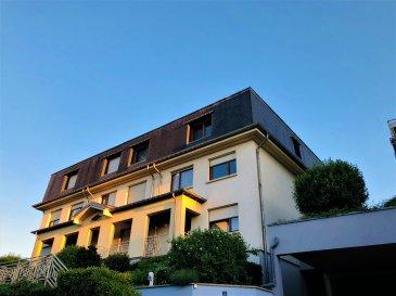 En exclusivité chez Active Invest !  Très beau et lumineux Appartement, au 1. Étage de 106.5m2 + grenier (+/-100 m2 dont +/-50 m2 utile) aménagé, dans un quartier très calme à Bettembourg.  L'appartement se compose comme suit :  - escalier privatif avec grand hall d'entrée et avec accès au grenier (utilisable comme chambres supplémentaires/ bureau/ salle de sport/ loisir…)  - Grand Living avec accès au premier balcon (exposition Sud et vue sur verdure)  - Cuisine équipée avec accès sur deuxième balcon (exposition Sud et vue sur verdure)  - WC séparé  - Salle de bain avec baignoire-douche/ WC/ Lavabo/ Fenêtre  - Grande chambre à coucher (21 m2) (vue sur verdure) et TV installée au-dessus de la porte/ fenêtre avec moustiquaire et Spots sur plafond  - Deuxième chambre à coucher (13,5m2)   Sous-Sol :  - 2 Emplacements intérieur inclus / box avec fenêtre (18m2 et 17m2) (Valeur 2*40000€=80000€, inclus dans le prix)  - Cave de +/-4m2  - Buanderie commune avec emplacement pour machine à laver et machine à sécher.    En général :  - Spacieux appartement (2 chambres ) avec grand grenier (jouissance exclusive pour p.ex. chambres additionnelles ou autre)  - Situation géographique exceptionnelle : Tranquillité résidentielle et proche de toutes commodités: Ecole, piscine, centre de Bettembourg, Gare et Bus à 5min, proche de l'autoroute et des espaces de promenade.  - Résidence de 1997  - Excellente gérance avec fonds de réserve  - Chaudière à gaz avec boiler  - Excellente Vue   - 2 Emplacements privatifs intérieur inclus  - Cave inclus  - 2 Grands Balcons   - Exposition Sud  - L'appartement a été renové il y a 7 ans.  - L'appartement est disponible pour +/- 01.03.2021 !!!    Nous sommes, en permanence, à la recherche de nouveaux biens à vendre (terrains, maisons, appartements).  Financement et Revente de votre actuel bien immobilier : Entre autres nous vous proposons la possibilité de vous guider et vous conseiller pour le financement de votre projet en passant par notre courtier