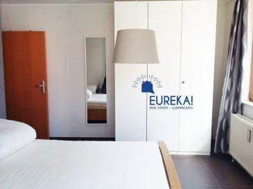 ++SOUS COMPROMIS+++IDEAL POUR INVESTISSEMENT+++EUREKA REAL ESTATE vous propose en exclusivité à la vente un bel appartement de + /- 70m2, entièrement rénové, idéalement situé au RDC d'une résidence entretenue proche de la Cloche d'Or et du centre ville, au sein d'une petite rue calme et résidentielle qui se compose comme suit :   -hall d'entrée  -3 belles chambres à coucher entièrement meublées (lit double, armoire de rangement, bureau et chaise, meuble TV et TV écran plat et miroir) dont une ouverte sur belle terrasse  -1 débarras -1 salles de douche avec douche et wc  -1 cuisine équipée séparée    Une cave privative et un beau jardin avec terrasse en commun viennent compléter cet ensemble     L' appartement est actuellement exploité en colocation meublée et est vendu loué et entièrement meublé.    L'appartement peut être utilisé comme résidence principale ou continuer à être exploité en colocation avec un loyer annuel de 28.2k correspondant à un rendement annuel de 4.3%     Le bâtiment est soumis au régime de Bail Emphytéotique La résidence est en face d'un petit parc et à proximité d'une aire de jeux.    Le quartier offre tous les conforts : transports en commun, crèches, écoles, boulangeries, épiceries sont à proximité directe de ce bien.    C'est une solution CLE EN MAINS POUR DE L'INVESTISSEMENT LES 3 CHAMBRES SONT DEJA LOUEES MEUBLEES     Pour plus de renseignements et pour convenir d'une visite, merci de contacter le +352 671 137 400