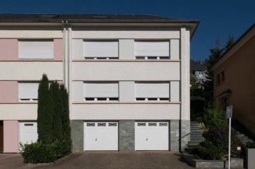 ** Sous Compromis ** New Keys vous propose cette belle et grande maison de +/- 180 m2 idéalement située à Rumelange proche de l'école, crèche et toutes autres commodités.  Elle se compose de:  1 Hall d'entrée 1 Cuisine 1 Salon/séjour 5 Chambres 2 Salle de bains 1 Véranda (jardin d'hiver) 2 Garage 2 Emplacement extérieur  1 Buanderie 1 Jardin 1 Sous-sol 1 Grenier  Fenêtres PVC triple vitrage, Chaudière gaz récente, toiture neuve, Façade propre... Disponible de suite...  pour tout renseignements et ou visites:  00 352 691311709 amarinthe@newkeys.lu   Ref agence :5003211